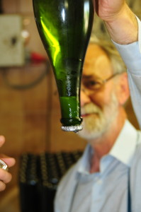 Pere Guilera preparing for disgorgement of the lees.